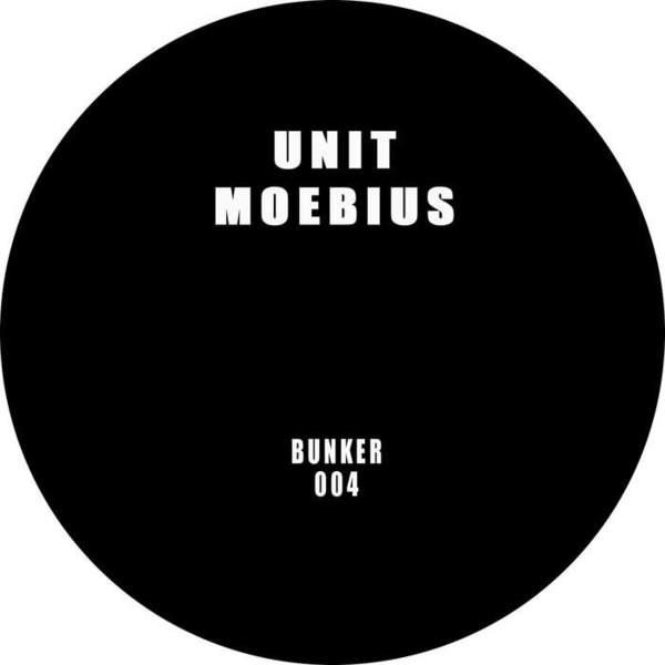 Bunker 004 by Unit Moebius